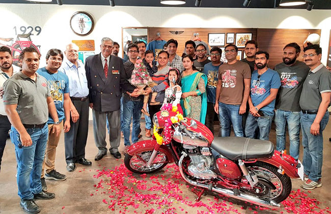 Jawa Auction Money Donated To Armed Forces Flag Day Fund