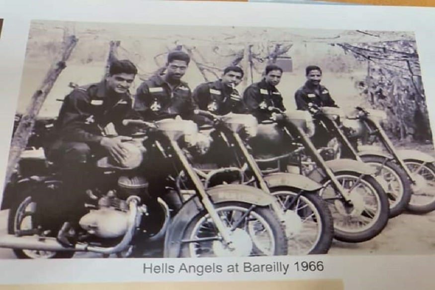 Veteran IAF pilots relive 1971 photo, the image goes viral